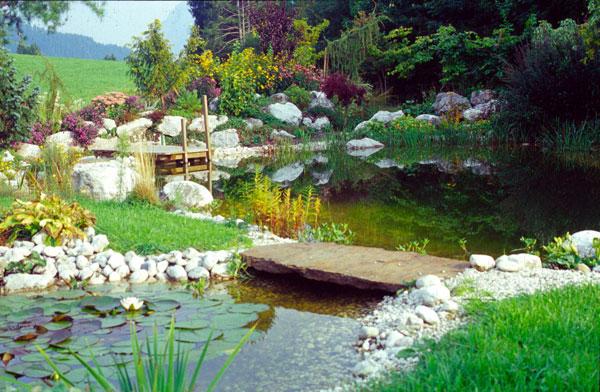 Schwimmteiche jasmine zenz gartengestaltung gr bming for Garten schwimmteich